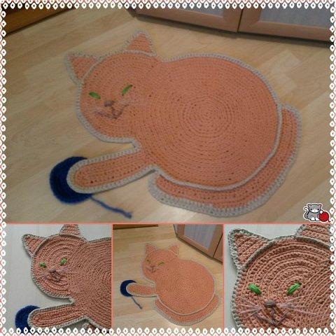 Коврик -  котенок в детскую комнату.  Смешной, играет с клубочком))) фото 1