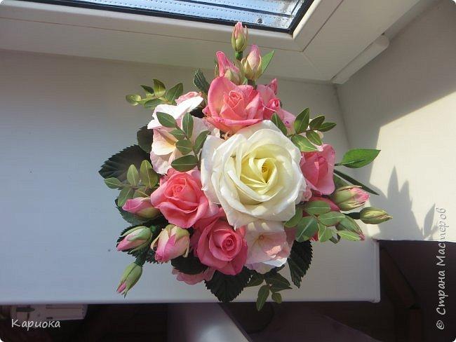 """Здравствуйте! Сегодня на Ваш суд представляю свою цветочную композицию из фоамирана.  В неё вошли: роза  """"Прауд"""" и зелень фисташки (по МК  А.Троицкой), гортензия, кустовые розочки (по собственным выкройкам) и зелень. фото 2"""