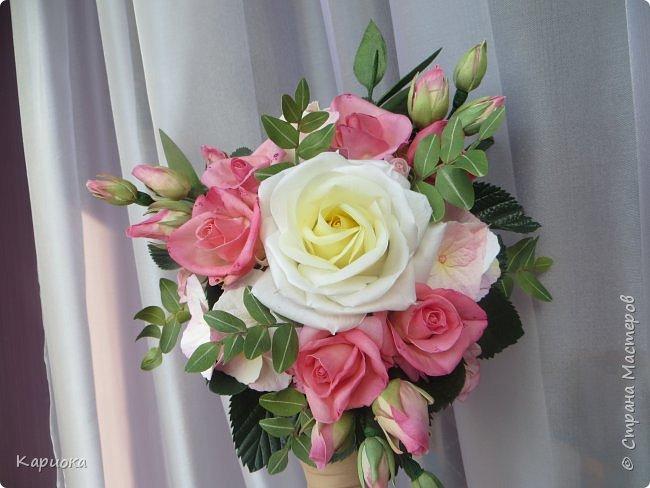 """Здравствуйте! Сегодня на Ваш суд представляю свою цветочную композицию из фоамирана.  В неё вошли: роза  """"Прауд"""" и зелень фисташки (по МК  А.Троицкой), гортензия, кустовые розочки (по собственным выкройкам) и зелень. фото 5"""