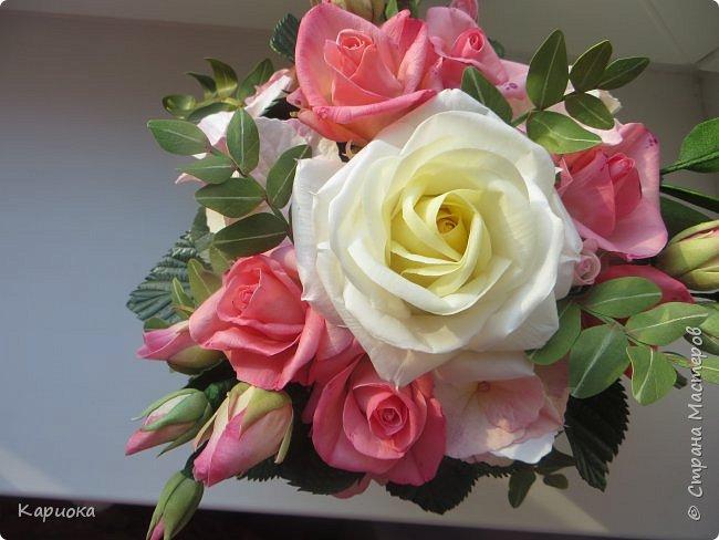 """Здравствуйте! Сегодня на Ваш суд представляю свою цветочную композицию из фоамирана.  В неё вошли: роза  """"Прауд"""" и зелень фисташки (по МК  А.Троицкой), гортензия, кустовые розочки (по собственным выкройкам) и зелень. фото 1"""