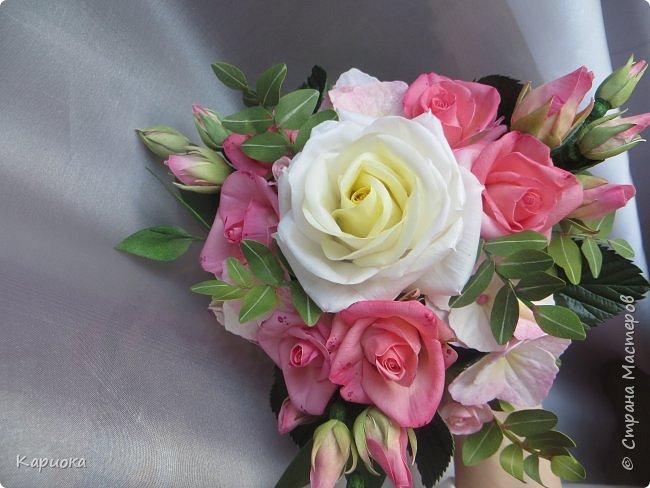 """Здравствуйте! Сегодня на Ваш суд представляю свою цветочную композицию из фоамирана.  В неё вошли: роза  """"Прауд"""" и зелень фисташки (по МК  А.Троицкой), гортензия, кустовые розочки (по собственным выкройкам) и зелень. фото 8"""