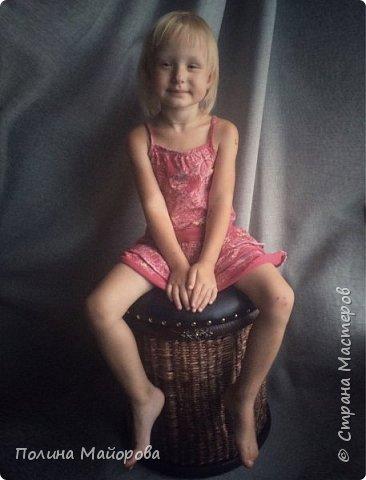 Сундуки, это, конечно, хорошо! А вот вам плетёные пуфики. Каркас-дерево, трубочки окрашены в несколько оттенков коричневой морилки, седушка из натуральной кожи на паралоне. Ну и гвоздочки красивенькие с брошечкой ))) фото 6