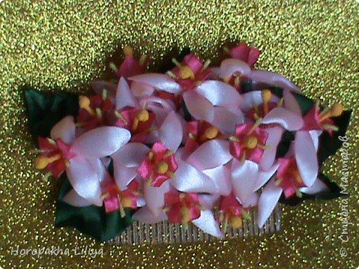 Экзотический цветок на гребне в стиле канзаши