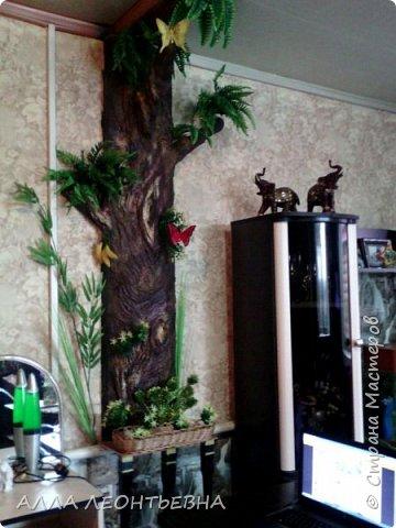 Всё началось-когда дочь с внучкой переехали в свою квартиру. У нас , в большом зале  \20 кв.м.\  --была установлена перегородка с аркой для зонирования пространства. Естественно----потом  мелкие комнаты стали   просто раздражать...и я снесла перегородку!....в стыке -где она была---решила сделать дерево..т.е применить своё творчество с цементом ! фото 11
