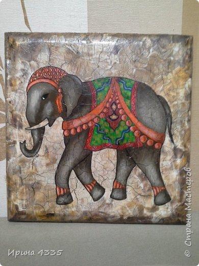 Слон, живопись на дереве