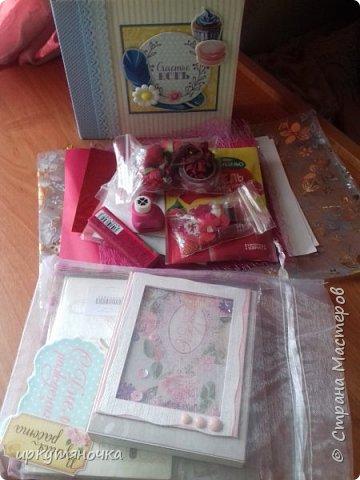 Подарочки приехали ко мне от Ирочки http://stranamasterov.ru/user/323834. Как обычно смогла удивить и порадовать. Спасибо тебе за это. Подарочки СУПЕР! Все-все очень-очень понравилось. В одной посылке подарки по трем поводам.  фото 1