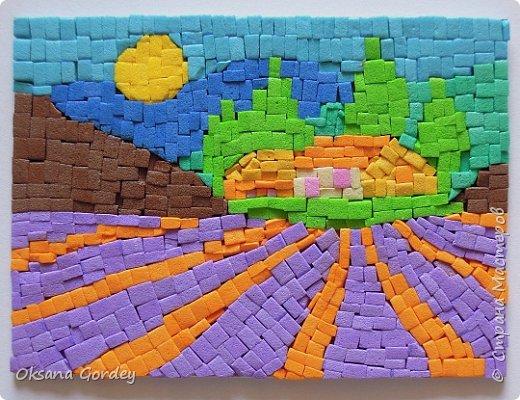 """А вот и мой 3 этап по АТС-игре, где надо было осилить мозаику. Да не просто мозаику, а в картинках с пейзажами. А это еще труднее. Давно в канцелярском магазине приобрела декоративную цветную пенку (очень похожа на фоамиран, только потолще), также ее называют еще мягким пластиком (такой тоже как-то покупала, ничем не отличается от пенки, один к одному). Теперь пригодился. Решила мозаику попробовать сделать из него. Нарезала на мелкие частички (хотела, чтобы были квадратные, но не получилось), и дальше... клеила каждый квадратик на ПВА-клей. На каждую карточку уходил целый день, вернее ночь. Днем никак не получалось за них садиться. В общем, окончательно поняла, что я не только """"садистка"""", но и """"мазохистка"""". Доделала лишь на силе воле. Трясущиеся руки и звезды в глазах... - незабываемые впечатления. Ха-ха. В общем, мозаика - это не мое. фото 3"""