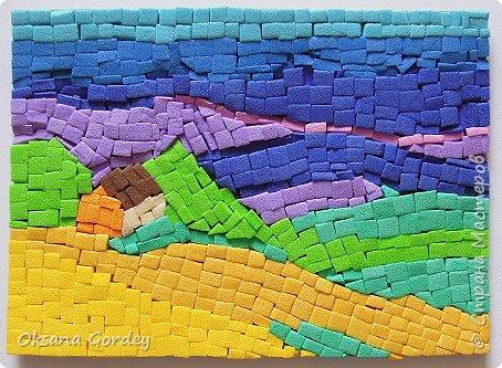 """А вот и мой 3 этап по АТС-игре, где надо было осилить мозаику. Да не просто мозаику, а в картинках с пейзажами. А это еще труднее. Давно в канцелярском магазине приобрела декоративную цветную пенку (очень похожа на фоамиран, только потолще), также ее называют еще мягким пластиком (такой тоже как-то покупала, ничем не отличается от пенки, один к одному). Теперь пригодился. Решила мозаику попробовать сделать из него. Нарезала на мелкие частички (хотела, чтобы были квадратные, но не получилось), и дальше... клеила каждый квадратик на ПВА-клей. На каждую карточку уходил целый день, вернее ночь. Днем никак не получалось за них садиться. В общем, окончательно поняла, что я не только """"садистка"""", но и """"мазохистка"""". Доделала лишь на силе воле. Трясущиеся руки и звезды в глазах... - незабываемые впечатления. Ха-ха. В общем, мозаика - это не мое. фото 7"""