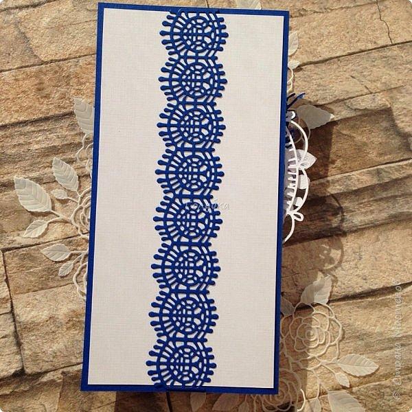 Серия пятая, заключительная:)  Последняя пара открыток из свадебных плановых:)  Синий и белый кардсток от Берега, фатин , вырубка и готовые цветы. фото 5