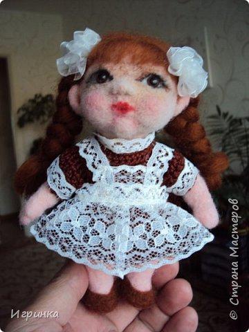 """Здравствуйте! Сегодня на улице пекло (нам не угодишь), поэтому до вечера решила скоротать день переделкой куклены, которая свалялась в начале моего """"валяльного"""" пути. фото 2"""