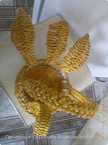 На страничке Ильиной Марины  увидела  Пасхальную курочку  И решила тоже сделать  на подарок .У меня получилось вот так . Некоторые элементы я  сделала по-своему  (, так как   только недавно  занимаюсь плетением и многого пока, к сожалению ,не знаю и не умею) фото 16