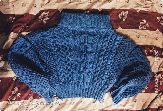 Совсем недавно довязала свой свитер рубан. На удивление получился очень мягким и тёплым фото 1