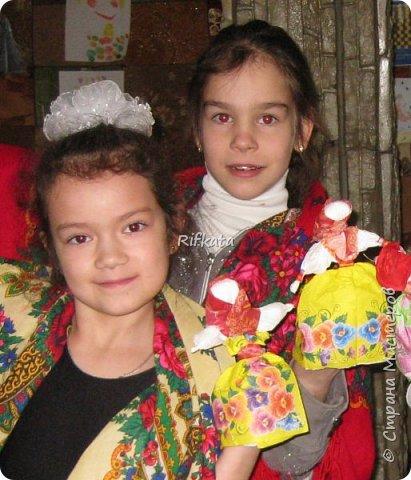 Куклы - мотанки из  салфеток. Принцип такой же, как и изготовление кукол из ткани, лоскутков. фото 4