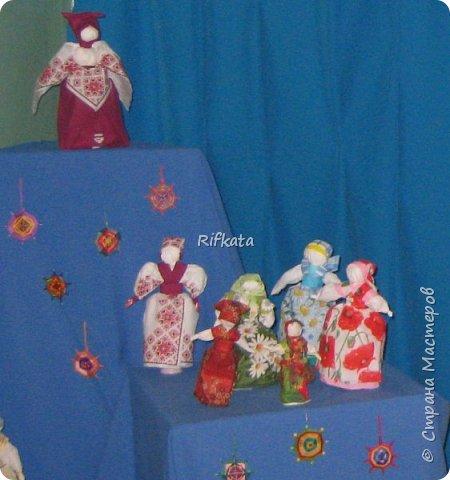 Куклы - мотанки из  салфеток. Принцип такой же, как и изготовление кукол из ткани, лоскутков. фото 5