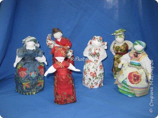 Куклы - мотанки из  салфеток. Принцип такой же, как и изготовление кукол из ткани, лоскутков. фото 1
