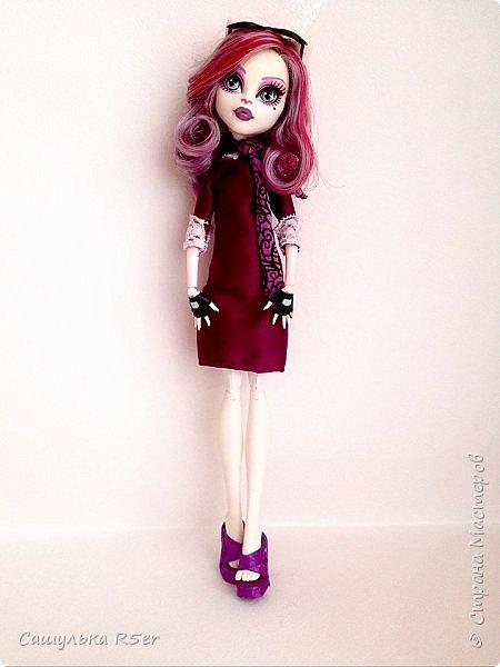 Привет-привет, Страна Мастеров! Надеюсь, что у вас хорошее настроение! Сегодня я хотела бы продемонстрировать обновочку для Катрин. Я сделала ей миниатюрное фиолетовое платье с кружевом и туфельки.  Если вам интересно, то оставайтесь со мной. фото 12
