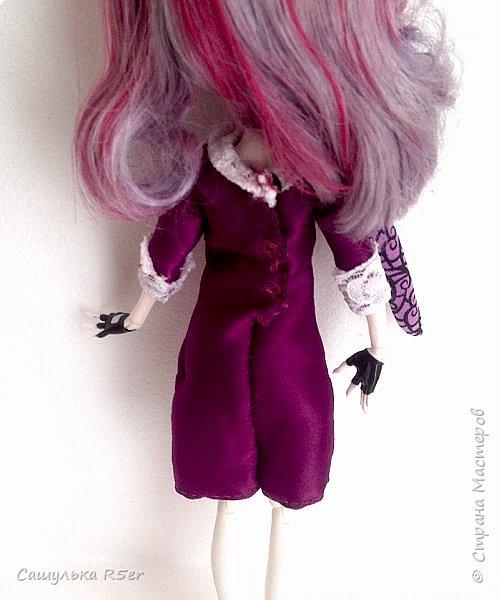 Привет-привет, Страна Мастеров! Надеюсь, что у вас хорошее настроение! Сегодня я хотела бы продемонстрировать обновочку для Катрин. Я сделала ей миниатюрное фиолетовое платье с кружевом и туфельки.  Если вам интересно, то оставайтесь со мной. фото 6