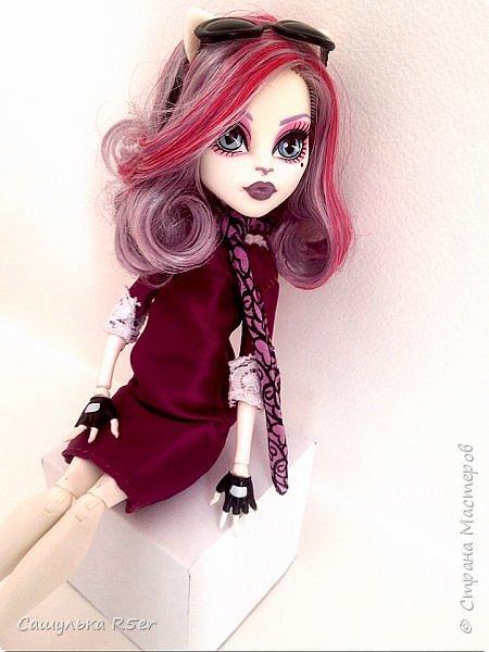 Привет-привет, Страна Мастеров! Надеюсь, что у вас хорошее настроение! Сегодня я хотела бы продемонстрировать обновочку для Катрин. Я сделала ей миниатюрное фиолетовое платье с кружевом и туфельки.  Если вам интересно, то оставайтесь со мной. фото 18