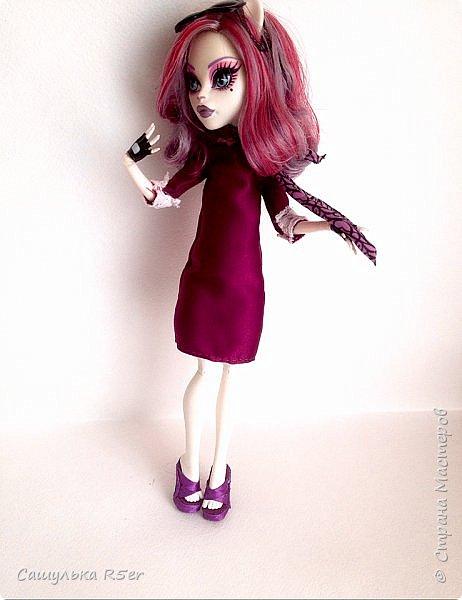 Привет-привет, Страна Мастеров! Надеюсь, что у вас хорошее настроение! Сегодня я хотела бы продемонстрировать обновочку для Катрин. Я сделала ей миниатюрное фиолетовое платье с кружевом и туфельки.  Если вам интересно, то оставайтесь со мной. фото 19