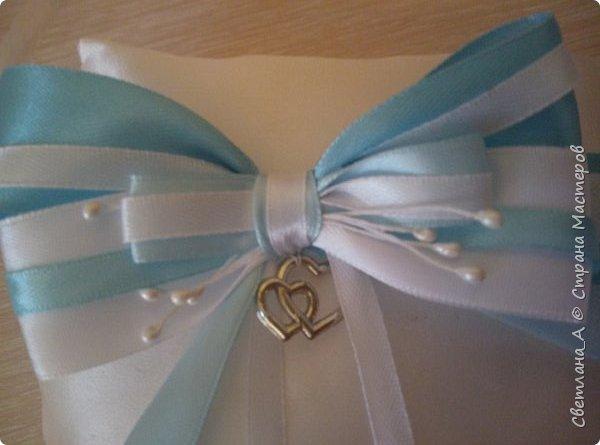 Свадьба была в голубых тонах. Вот такой небольшой наборчик получился. Подушечка для колец. фото 2