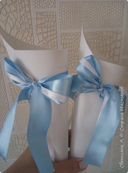 Свадьба была в голубых тонах. Вот такой небольшой наборчик получился. Подушечка для колец. фото 3