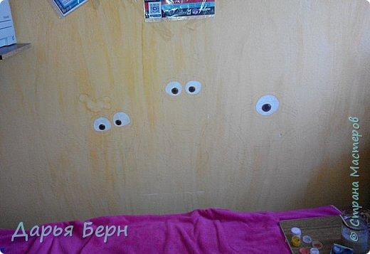 Решила украсить комнату рисунком на стене) Хотелось нарисовать что нибудь веселое) Миньоны по моему мнению самое оно) фото 2