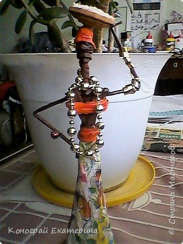 Всем привет, это моя первая работа, так что пожалуйста не судите строго)))Африканка из бумажных трубочек, сделанная по мастер классу Герменчук Светланы Александровны. фото 3
