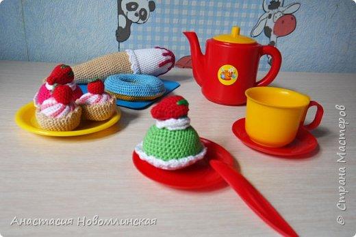 Вы любите чай с вкусняшками? А куклы ваших девчонок? Наши любят - вот теперь лакомятся.  фото 1