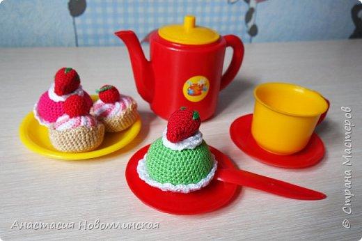 Вы любите чай с вкусняшками? А куклы ваших девчонок? Наши любят - вот теперь лакомятся.  фото 3