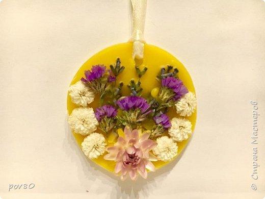 Доброе время суток Всем жителям Страны Мастеров. Наконец воплотила в жизнь свою идею по созданию воскового саше с эфирными  маслами. Запах обалденный.Большинство саше с запахом лаванды. Использовала в работе засушенные собственноручно цветы фото 1