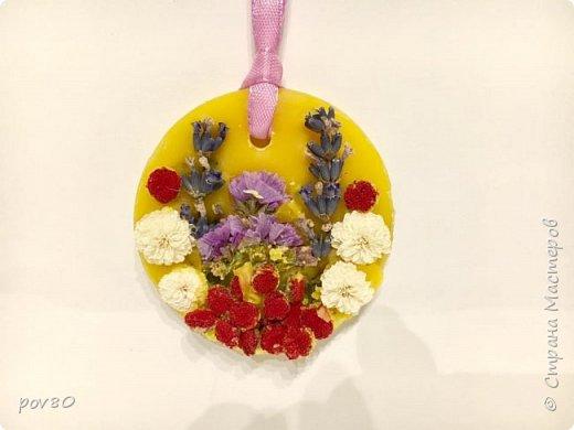 Доброе время суток Всем жителям Страны Мастеров. Наконец воплотила в жизнь свою идею по созданию воскового саше с эфирными  маслами. Запах обалденный.Большинство саше с запахом лаванды. Использовала в работе засушенные собственноручно цветы фото 8