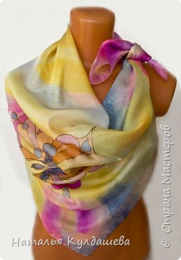 Платочек ручной росписи  по натуральному шёлку .1 фото 3