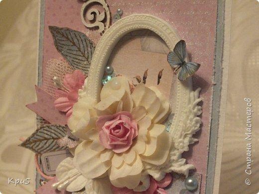День добрый всем заглянувшим ко мне в гости. Сегодня закончила открытку, сделанную свекрови на завтрашний юбилей. Долго решала какую бумагу использовать, ведь возраст уже довольно солидный 70 лет. Но, потом решила, что женщина в любом возрасте остается женщиной. Она всегда романтична, любит цветы, хочет быть любимой. Поэтому, взяла ScrapBerry~s Butterflies. Очень надеюсь, что моя открытка доставит удовольствие юбилярше.  фото 3