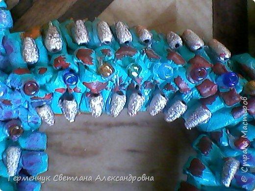 Такую красотку  ящерицу увидела на странице http://stranamasterov.ru/node/934100 мастерицы Пустельги.  Ящерка  мне очень понравилась . . И   Светлана Булгакова  так доступно объяснила и показала фото ,что я   решилась  попробовать .Выражаю большую благодарность   Светлане   за  МК ,которая помогает  всем , кто хочет научится плетению. фото 14