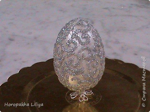 Декоративное Пасхальное яйцо на ножке  - подарочный вариант с рисунком из глитера