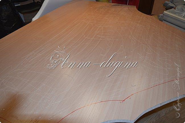 Всем привет! Давно меня здесь не было, почти год... Сегодня я с мастер-классом по изготовлению кровати с мягким изголовьем своими руками. Кровать у меня с основанием 1800х2000, для работы использовала лдсп 26 мм, поролон 10, 30, 60 мм, ткань бархатную, степлер мебельный, пуговицы мебельные, капроновые нити, клей, ну и самое главное-РУКИ! фото 8