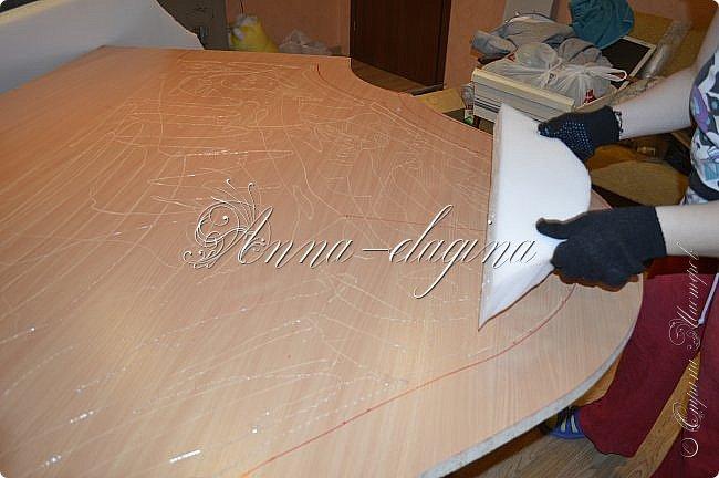 Всем привет! Давно меня здесь не было, почти год... Сегодня я с мастер-классом по изготовлению кровати с мягким изголовьем своими руками. Кровать у меня с основанием 1800х2000, для работы использовала лдсп 26 мм, поролон 10, 30, 60 мм, ткань бархатную, степлер мебельный, пуговицы мебельные, капроновые нити, клей, ну и самое главное-РУКИ! фото 9