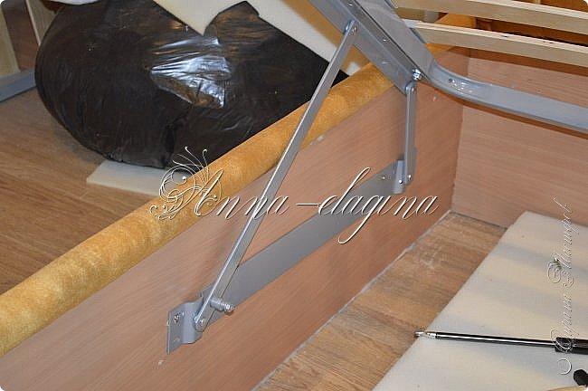 Всем привет! Давно меня здесь не было, почти год... Сегодня я с мастер-классом по изготовлению кровати с мягким изголовьем своими руками. Кровать у меня с основанием 1800х2000, для работы использовала лдсп 26 мм, поролон 10, 30, 60 мм, ткань бархатную, степлер мебельный, пуговицы мебельные, капроновые нити, клей, ну и самое главное-РУКИ! фото 55
