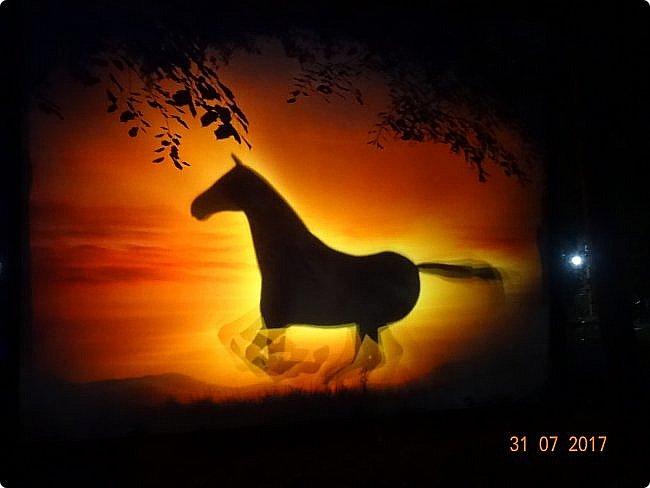 III Международный фестиваль искусств «Вдохновение» В парке «Останкино» проходил ежегодный световой мультимедийный фестиваль. После захода солнца зрители смогут прогуляться по волшебному лесу и встретить диковинных персонажей: летающих рыб, светящихся лошадей и небесных люмильеров. ВХОД СВОБОДНЫЙ  Источник: https://kudago.com/msk/event/vyistavka-vdohnovenie/ фото 8