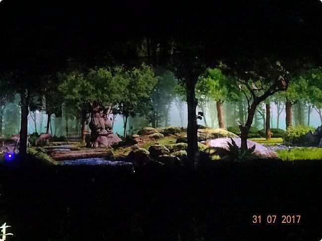 III Международный фестиваль искусств «Вдохновение» В парке «Останкино» проходил ежегодный световой мультимедийный фестиваль. После захода солнца зрители смогут прогуляться по волшебному лесу и встретить диковинных персонажей: летающих рыб, светящихся лошадей и небесных люмильеров. ВХОД СВОБОДНЫЙ  Источник: https://kudago.com/msk/event/vyistavka-vdohnovenie/ фото 15