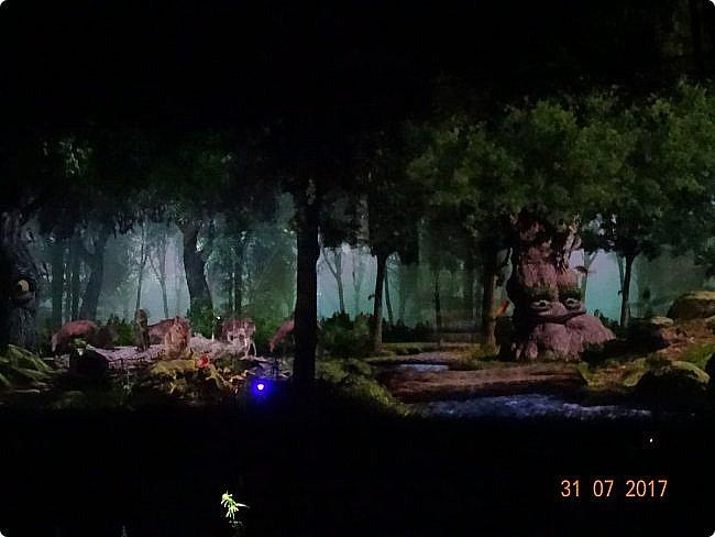 III Международный фестиваль искусств «Вдохновение» В парке «Останкино» проходил ежегодный световой мультимедийный фестиваль. После захода солнца зрители смогут прогуляться по волшебному лесу и встретить диковинных персонажей: летающих рыб, светящихся лошадей и небесных люмильеров. ВХОД СВОБОДНЫЙ  Источник: https://kudago.com/msk/event/vyistavka-vdohnovenie/ фото 16