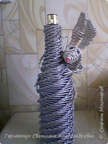 На вид спиральное плетение бутылки .выглядит очень сложно, но  из всех  видов  плетения - это ,как мне кажется . не очень трудное.Получилось с первого раза  и ровно. фото 9