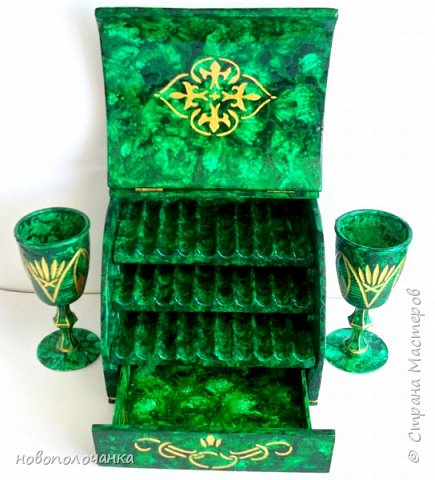 Вот и готов мой подарок племяннику,  любителю зелёного цвета. Как и из чего я её  делала,   делюсь с вами. фото 77