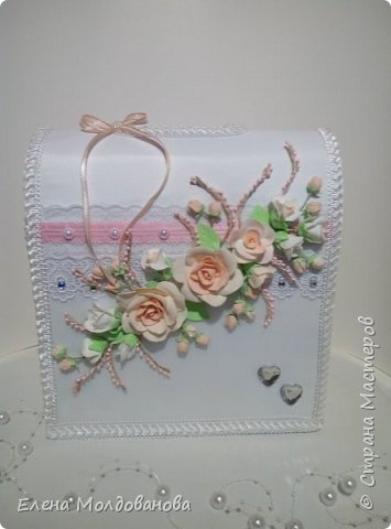 Комплект выполнен в нежно-розовых тонах фото 2