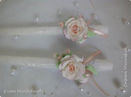 Комплект выполнен в нежно-розовых тонах фото 11
