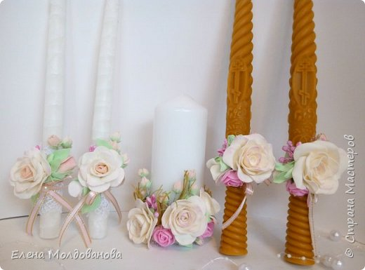 Комплект выполнен в нежно-розовых тонах фото 3