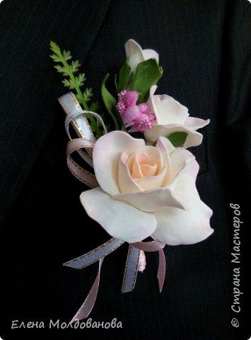 Комплект выполнен в нежно-розовых тонах фото 10