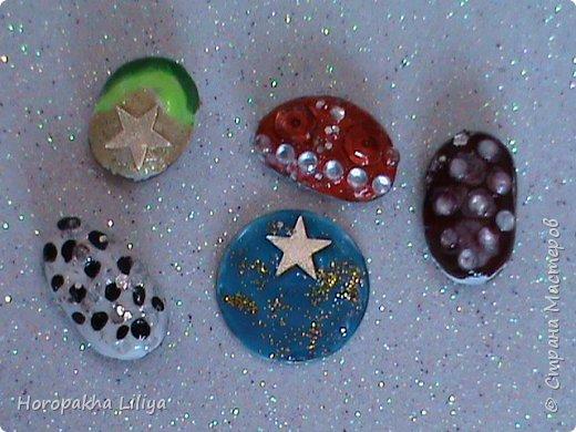 Кабошоны и серединки своими руками из морских камешков и монет