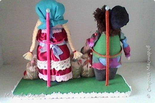 Добрый летний денек всем жителям страны!!! У сестры мужа 55 лет- юбилей! Я решила сшить Домового и Домовиху в подарок ,куклы на деревянной подставке. фото 3