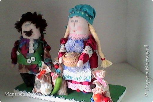 Добрый летний денек всем жителям страны!!! У сестры мужа 55 лет- юбилей! Я решила сшить Домового и Домовиху в подарок ,куклы на деревянной подставке. фото 2